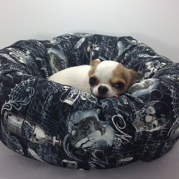 Something Wicked Raven Nevermore Round Pet Bed – Group One Dog Gallery®