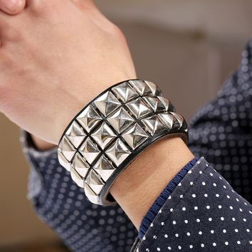 Hip Hop Bling Spikes Rivet Stud Cowhide Wide Cuff Leather Bracelet For Men Jewelry Charm Gothic Punk Bracelet pulseira masculina