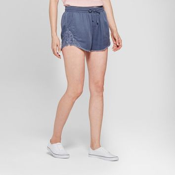 Women's Embroidered Frayed Shorts - Knox Rose™