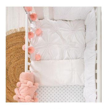 Willow White Quilt