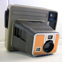 Vintage Kodak Pleaser Instant Camera Made in USA Brown Beige PR10 Film