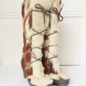 French vintage 1970s fur boots, fuzzy high heel winter boots, warm native ethnic eskimo leather white brown boho hippie US 5.5 UK 3.5