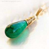 Emerald green Agate necklace in 14K gold filled by Arctida on Etsy