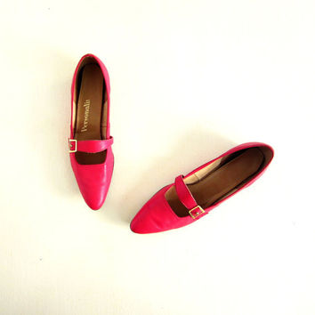 Vintage 1950s Shoes / Red Flats / 50s Shoes / Ruby Red Skimmers / Size 8.5