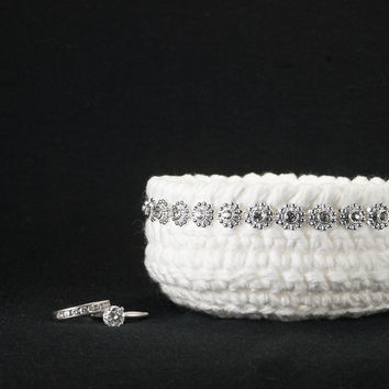 Ring bearer pillow alternative, ring bearer dish, crochet bowl, engagement ring bowl, bridal party gift, wedding ring holder, jewelry dish