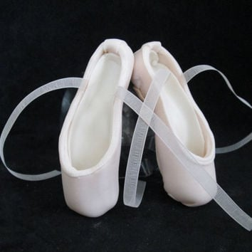 pointe shoe ballet cake topper ballerina dancer ballet gumpaste edible sugar pink
