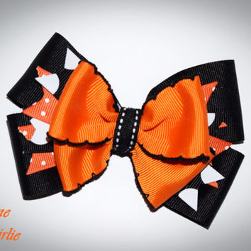 Halloween hair bow , black and orange bow , girls Halloween bow , Halloween baby , toddler Halloween , boutique bow , Halloween hair clip