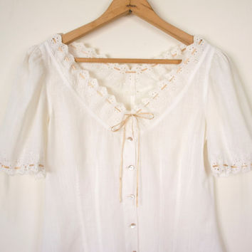 prairie eyelet peasant blouse // lace blouse by TheTeaHouseVintage