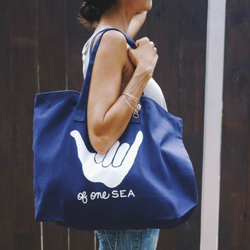Navy Canvas Zippered Tote Shaka