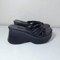 90s platform black stiched sandals size 7.5