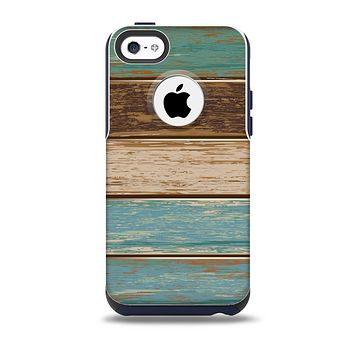 Wooden Planks with Chipped Green and Brown Paint Skin for the iPhone 5c OtterBox Commuter Case