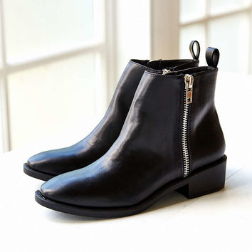 Monty Two Zipper Boot - Urban Outfitters