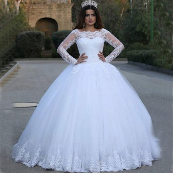 2016 Fashion Ball Gown Lace Wedding Dress With Long Sleeve