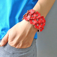Jewelry bangle leather bracelet buckle bracelet women bracelet girls bracelet with red flowers to the shape of the leather diamond SH-1748