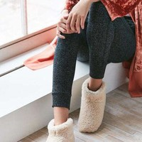 CHEN1ER UGG Amary Slipper | Urban Outfitters