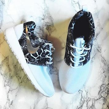 Nike Roshe One Print Women Casual Running Sport Shoes Sneakers c0af3bd5f1