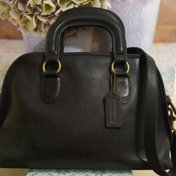 ONETOW Beautiful Authentic Coach Baxter Bag, Speedy Doctor's Bag,1980's,Black Leather, USA,