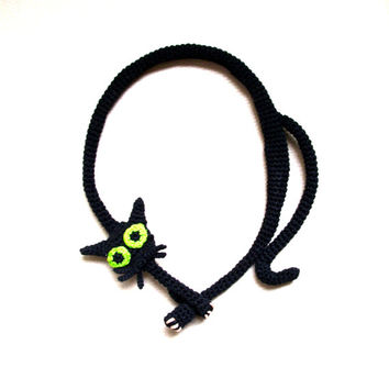 Black cat necklace Crochet necklace Cat necklace Black necklace Crochet jewelry Halloween