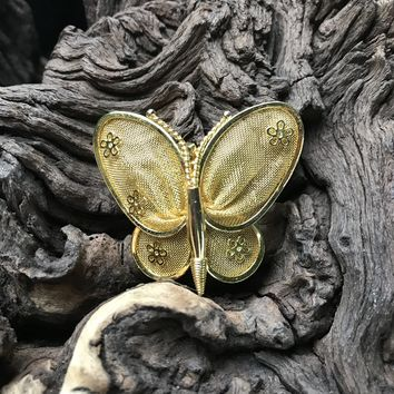 """Vintage butterfly Gold Tone 1.5"""" Brooch Pin"""
