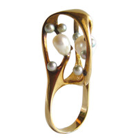J. ARNOLD FREW Gold Pearl Cocktail Ring