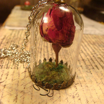 Real Rose Bud Terrarium Moss Dome Necklace (1655)