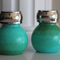 Ombre Salt and Pepper Shakers, Nautical Salt and Pepper Shakers, Teal Kitchen Decor, Green Shakers, Sea Green, Round Salt and Pepper Shakers