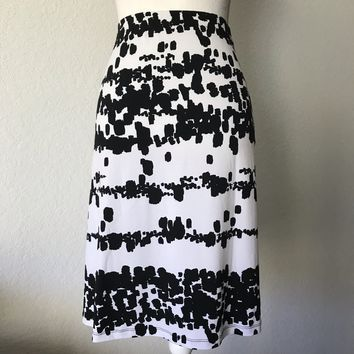 212 COLLECTION Women's Stretch Black & White Print Midi Skirt Size XL