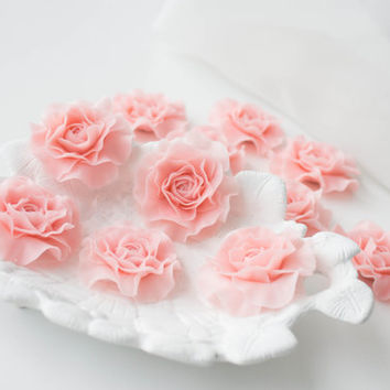 Flowers WEDDING FAVORS, flowers magnets, rose party favor, flower brooch, baby pink, baby shower favor,  bridal favors, guest favors
