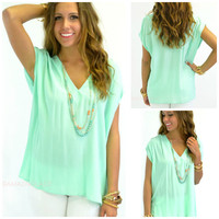 Jardin Mint V-Neck Loose Top