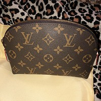 LV tide brand female classic old flower logo clutch bag cosmetic bag