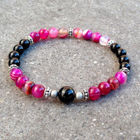Healing and soothing, onyx and pink agate mala bracelet