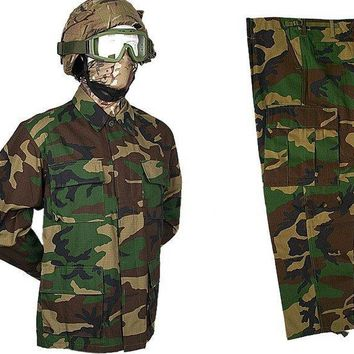 Camouflage Hunting Coat Hunting Apparel Jacket and Trousers / Hunting Outdoor Sports Hunting Clothes Free Shiping