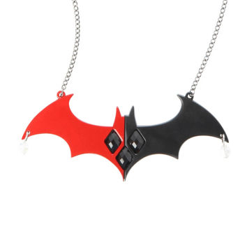 62d538f95 DC Comics Harley Quinn Batman Logo Statement Necklace