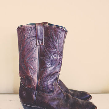 Vintage 80s Cowboy Boots Texas Brand  Distressed Warm Brown with Embroidery Heavy Leather Boots Men's 7.5 EE  Boho Bohemian Western