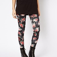 New Look Rose Print Legging at asos.com