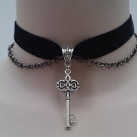 KEY & CHAIN Velvet BLACK Ribbon Choker  - sl... or choose another colour velvet from a wide choice