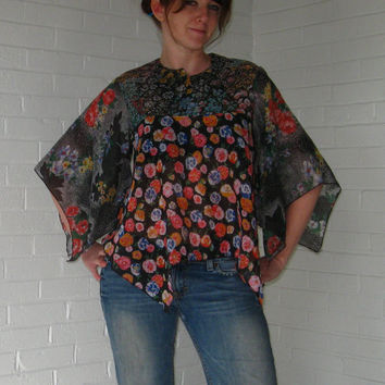 Vintage 1970s Floral Hippie Blouse Lightweight by JunkStoreAddict