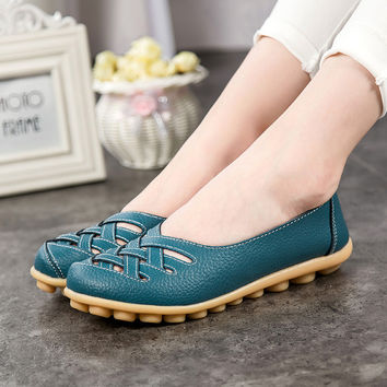 2016 Spring New Fashion PU Leather Woman Flats Moccasins Comfortable Woman Shoes Cut-outs Leisure Flat Woman Casual Shoes ST181