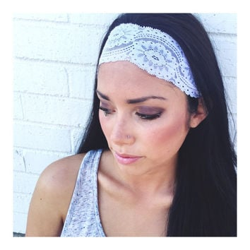Yoga Headband in White Flower Lace