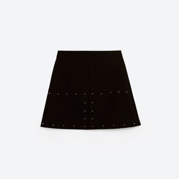 SEAMED MINI SKIRTDETAILS