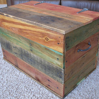 Reclaimed Pallet Wood Trunk...Rustic...Primitive....Handcrafted....Oil Stain Finish....Green Gift Idea