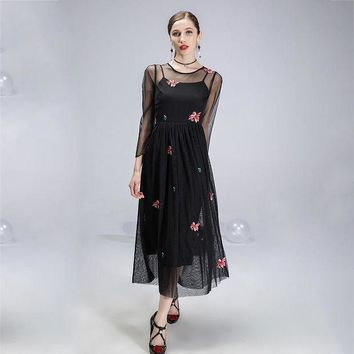 ac NOVQ2A Net yarn embroidery in the long section Slim dress