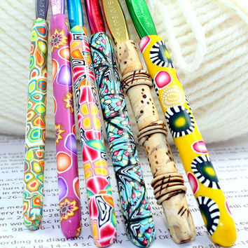 Polymer clay covered crochet hook SET of 6, new Susan Bates sizes f5, g6, h8, i9, J10 and  K10.5