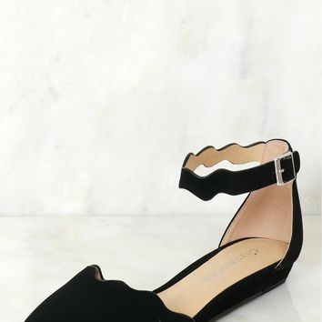 Suede Scalloped Flat Black