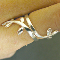 delicate Silver leaf ring, thin silver ring, simple silver wrap ring, wrap around ring, slver leaf jewelry, wrap jewelry