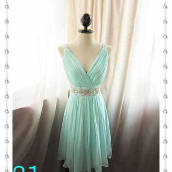 Short Mint Blue Prom Dress/Sexy Beaded Homecoming Graduation Dress/Bridesmaid Dress/V-neck Wedding Party Dress/Mini Dress