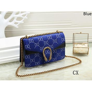 GUCCI 2018 new trend wild personality velvet wine bag chain bag Messenger bag Blue