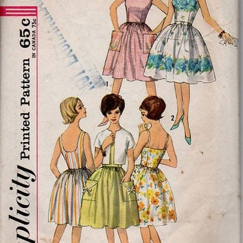 Retro Rockabilly Swing Dress 1960s Tea Dress Full Skirt Simplicity Sewing Pattern Fitted Bodice Shoulder Straps Circle Skirt Bust 32