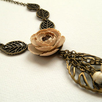 Fall necklace - Fall leaves - Peony necklace - Beige flower - Flower necklace - Handmade necklace