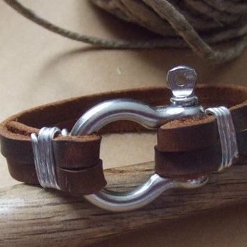 Men's Leather Bracelet with Anchor Shackle Clasp -  Fathers Mens Dads Jewelry - Industrial Omega Clasp